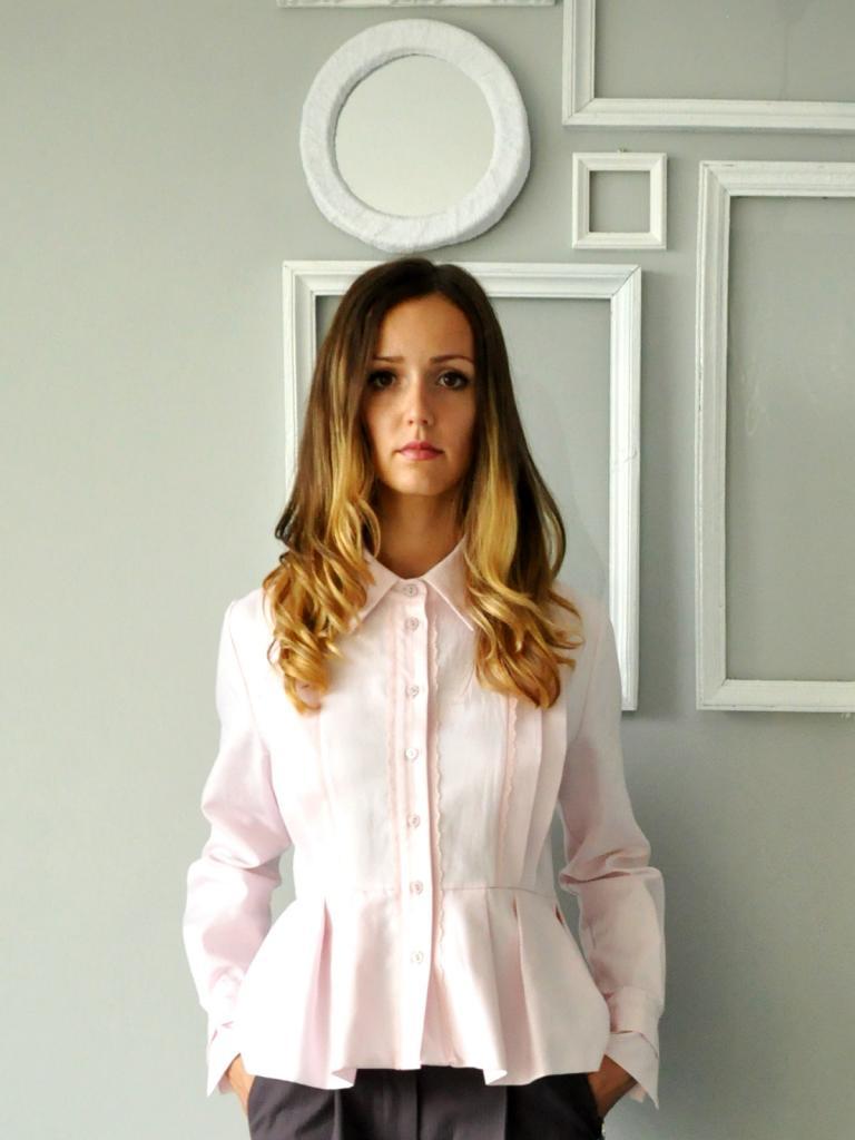 Дизайнерска риза в бледорозово Merry