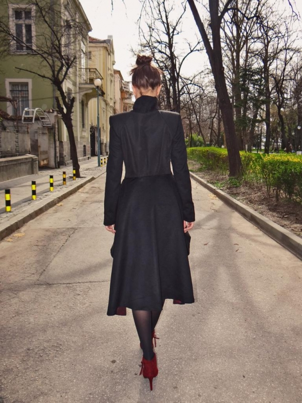 Екстравагантно дамско палто Marie
