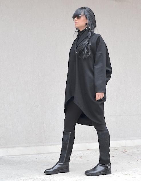 Асиметрично дамско палто в черно Kotyto