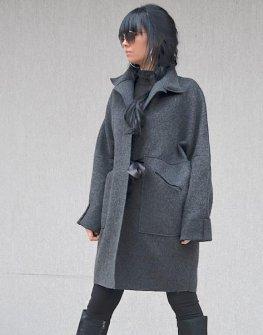 Дизайнерско дамско палто Kotyto