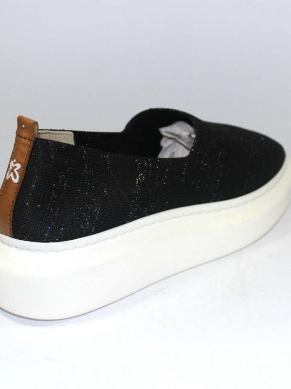 Черни дамски обувки без връзки Sara Pen