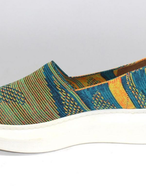 Шарени спортни обувки Sara Pen