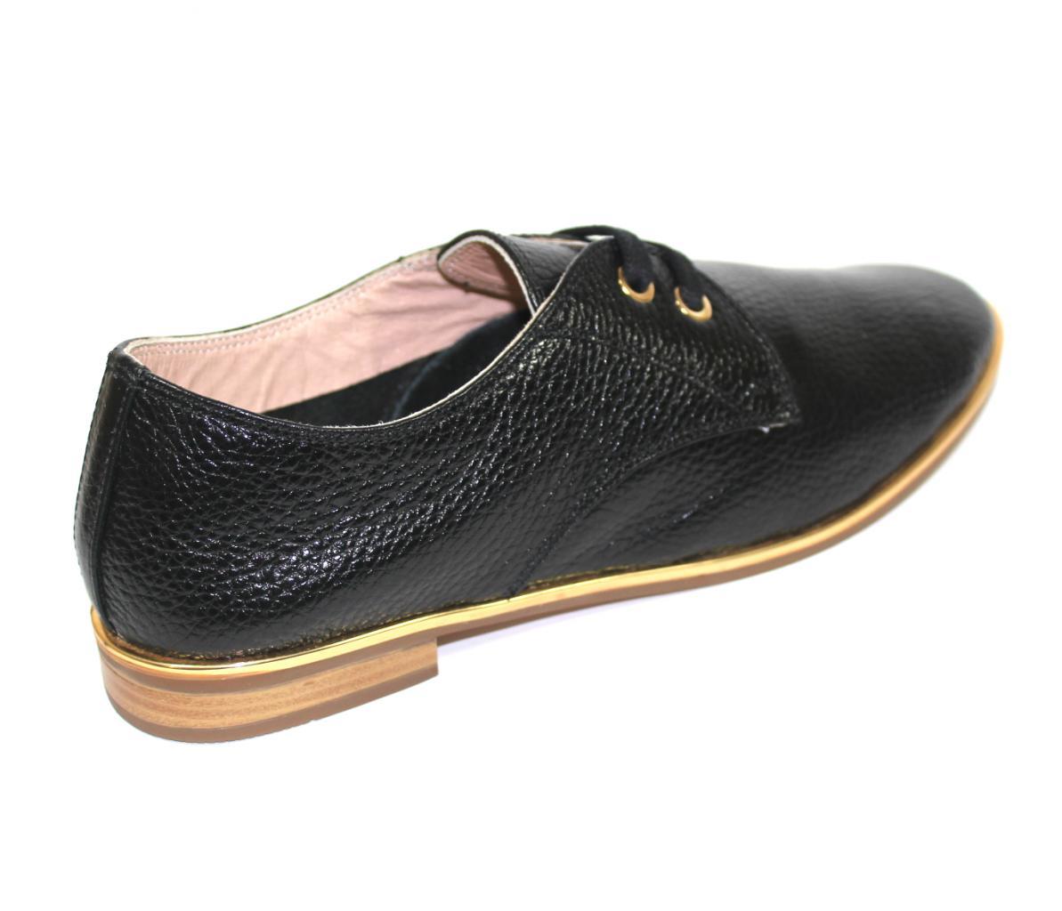 Дамски обувки Sara Pen в черно с връзки