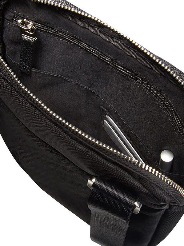 Черна чанта за рамо HIP-CLASS