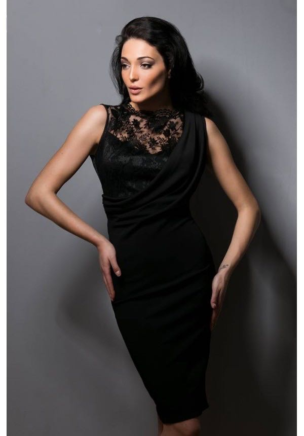 Стилна рокля с дантела Cocoon