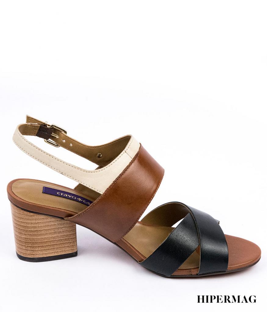 Стилни дамски сандали на дървен ток Cravo&Canela