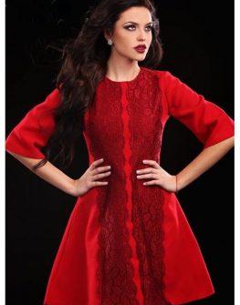 Бутикова рокля в червено Cocoon