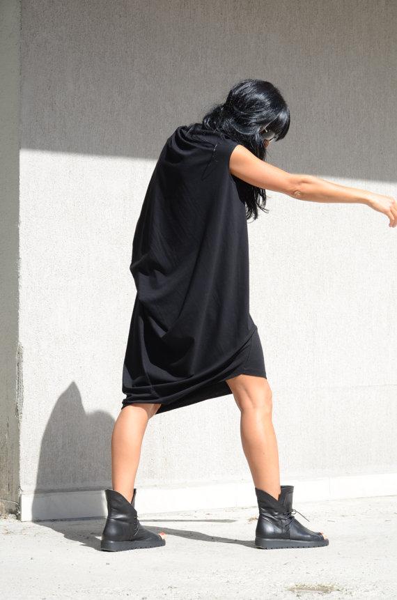 Ефектна макси рокля Kotyto в черно