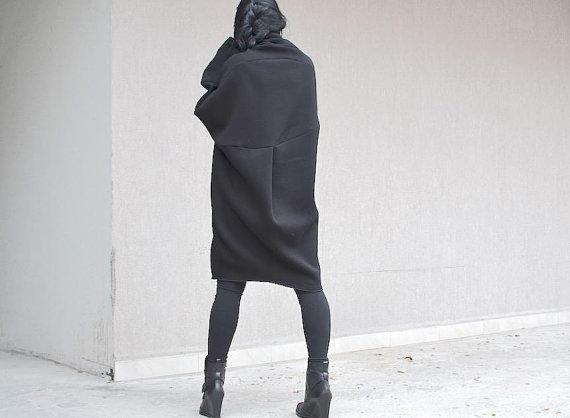 Макси рокля с дълъг ръкав Kotyto в черно