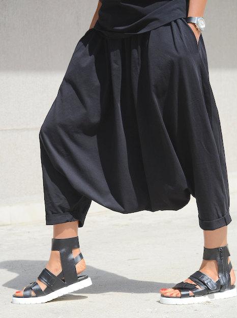 Черен макси панталон Kotyto с паднало дъно