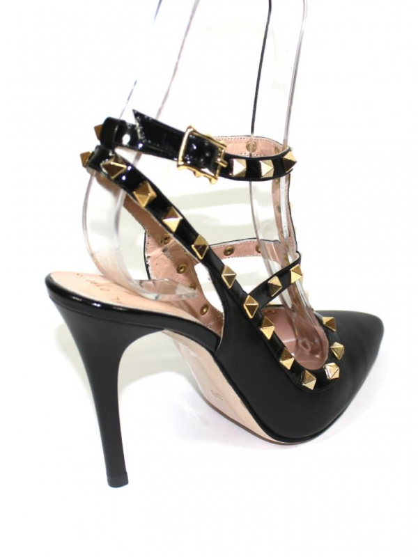 Дамски обувки в черно на висок ток Sara Pen