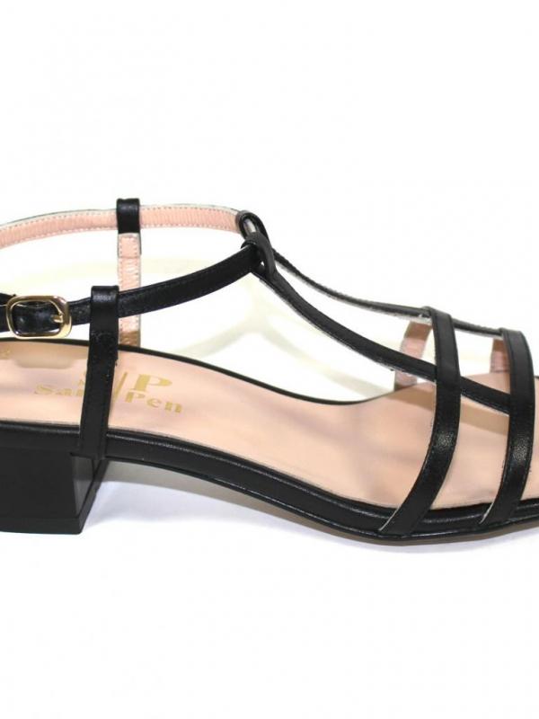 Черни дамски сандали Sara Pen на нисък ток