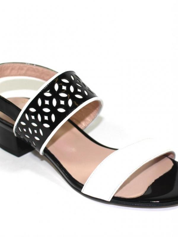 Стилни дамски сандали в черно и бяло Sara Pen