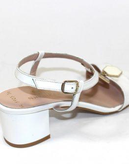 Елегантни дамски сандали в бял цвят Sara Pen