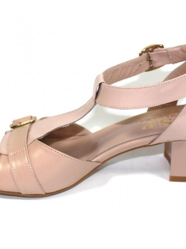 Дамски сандали Sara Pen в бледорозово