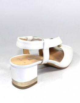 Дамски сандали в бял цвят Sara Pen