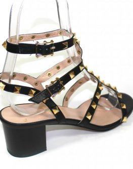 Стилни сандали в черно Sara Pen