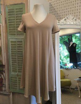 Къса рокля в бежово Aggata