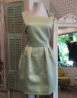Стилна рокля в бледозелено Aggata