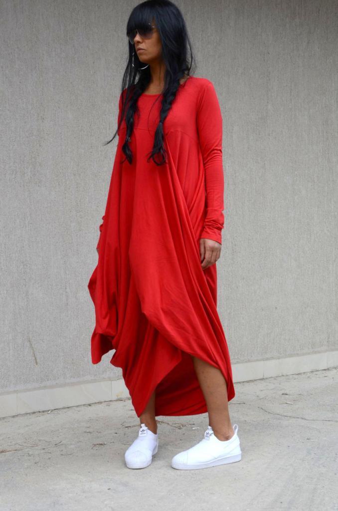 Асиметрична бутикова рокля Kotyto
