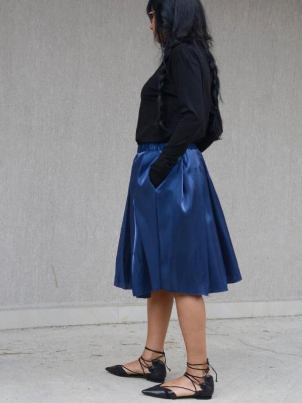 Ефектна пола в синьо Kotyto