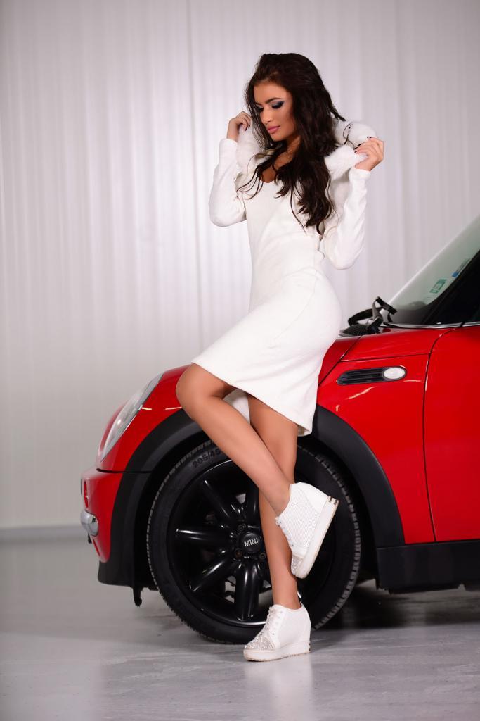 Плетена рокля в бяло DPmoda