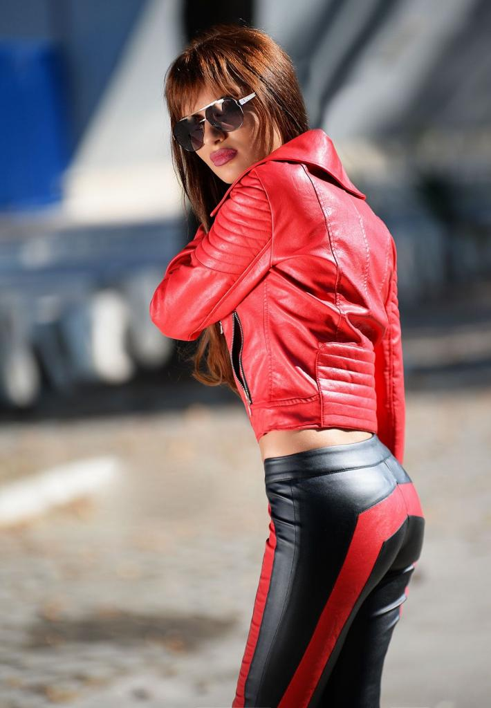 Червено дамско яке DPmoda