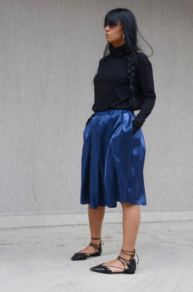Сатенена пола в синьо Kotyto