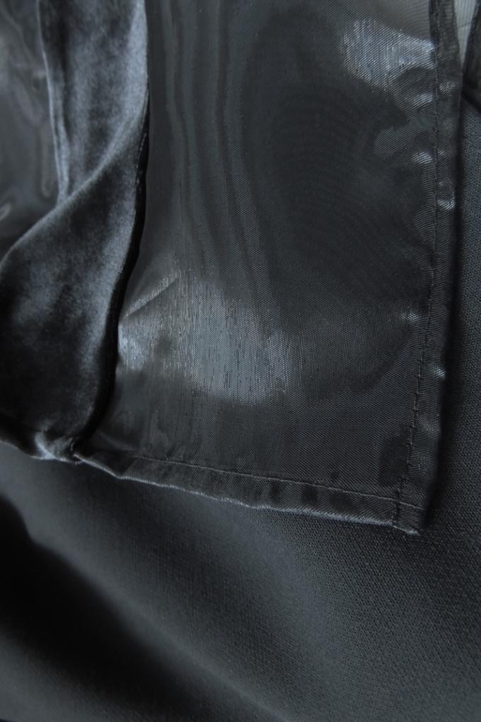 Бутикова блуза в черно PULSE