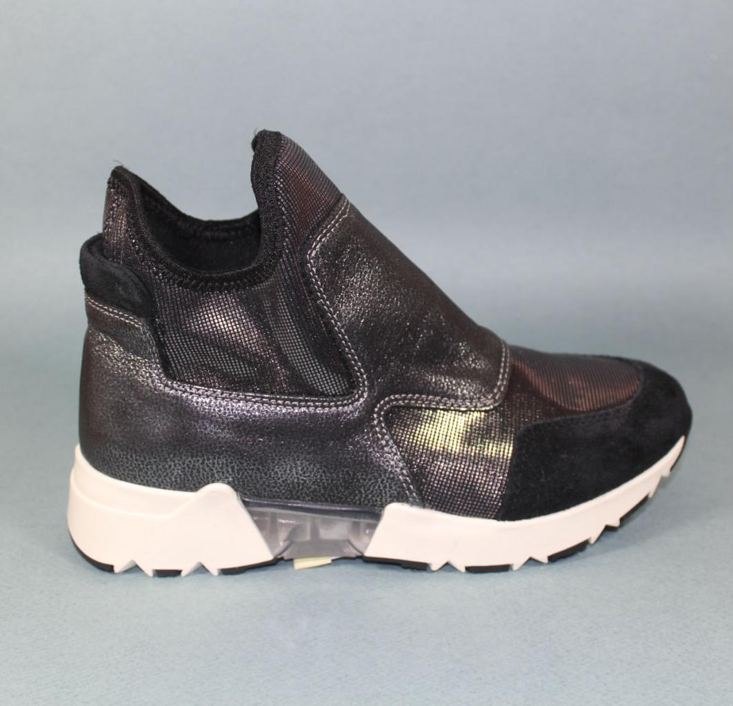 Спортни обувки в черно - Sara Pen