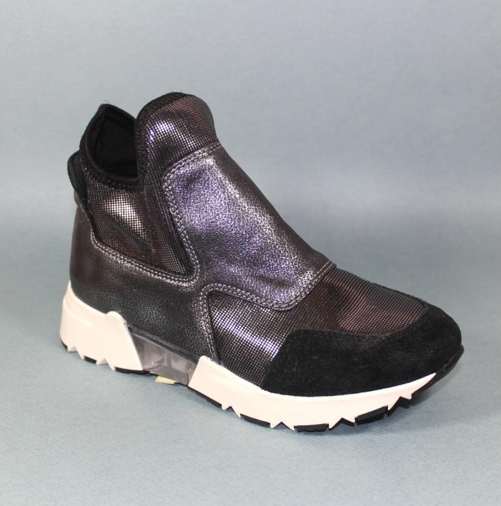 Спортни обувки в черно – Sara Pen