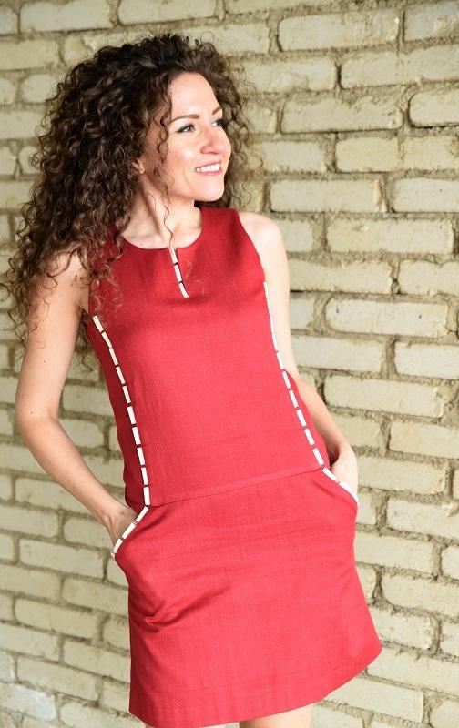 Бутикова рокля в червено Amploa Atelier