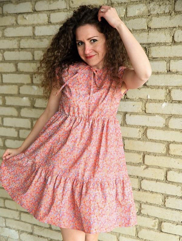 Бутикова рокля в цветен десен Amploa Atelier