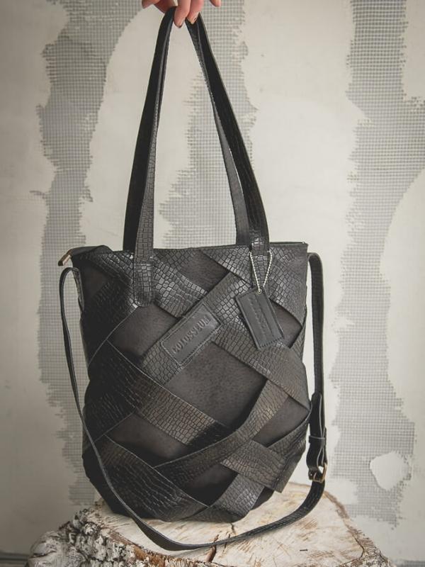 Дамска чанта в черен цвят Colosseum