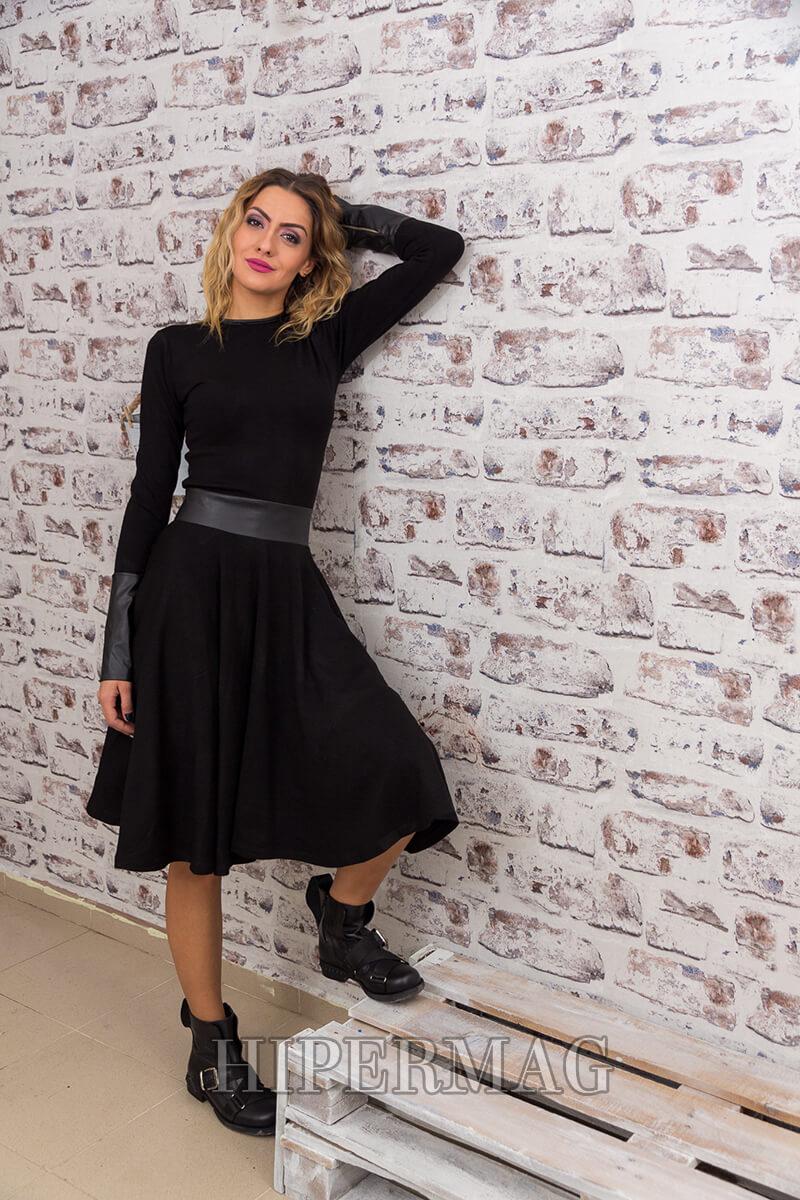 черна бутикова рокля с дълъг ръкав