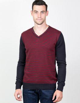 Пуловер в бордо