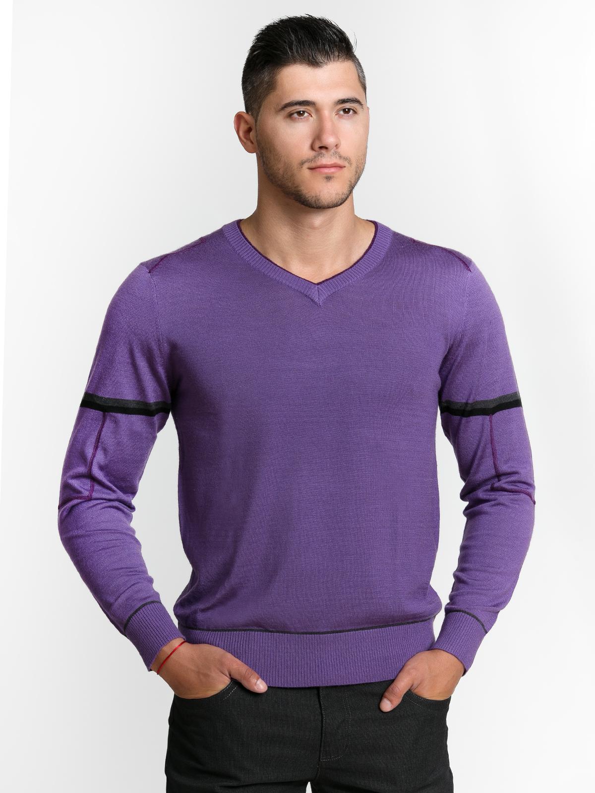 Пуловер в цвят
