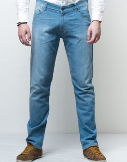 Мъжки дънки в светло син цвят