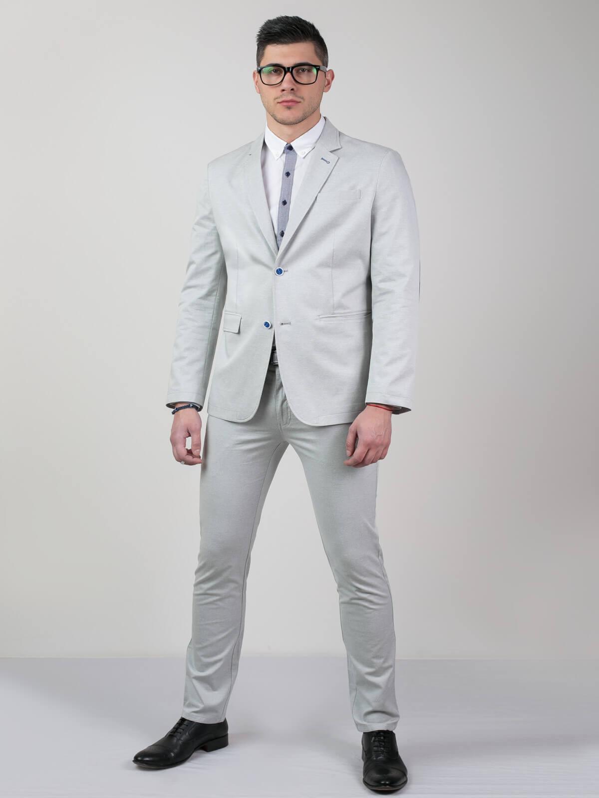 Спортно-елегантен мъжки костюм