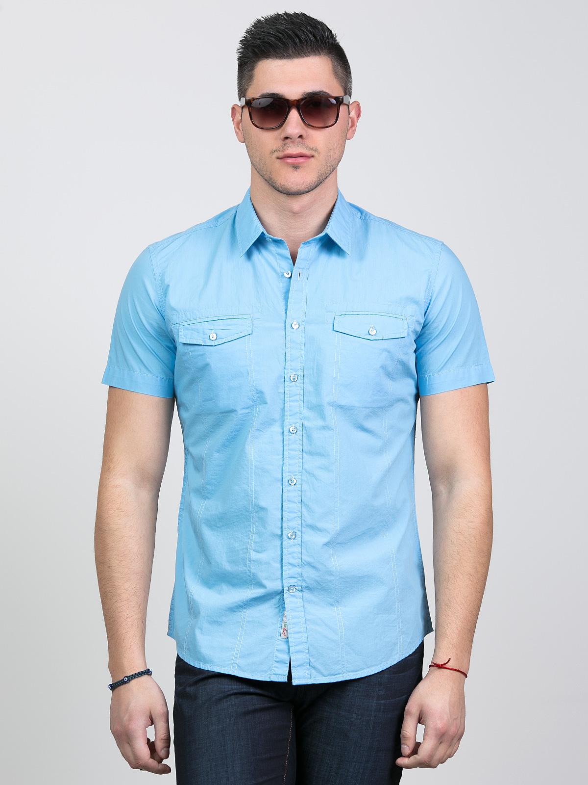 Свежа мъжка риза с къс ръкав
