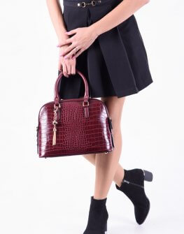 Дамска крокодилска чанта в бордо цвят