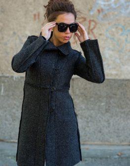 Палто с декоративни външни ръбове